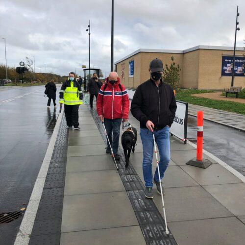 Blinde tester ny Plusbus-station